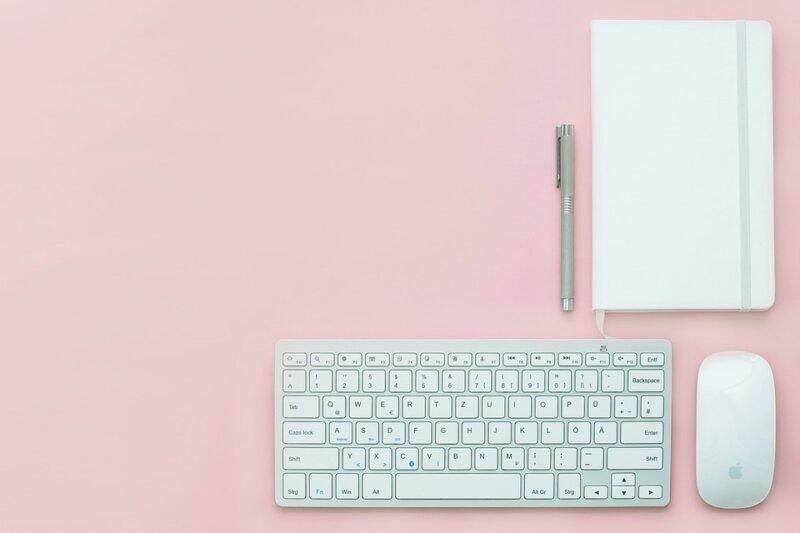 ピンクとキーボード